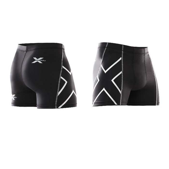 2XU Men's 1/2 Compression Shorts Black/silver logo S