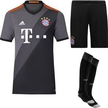 Bayern Munich Vierasasu 2016/17