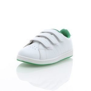 Classic Sneaker Kid