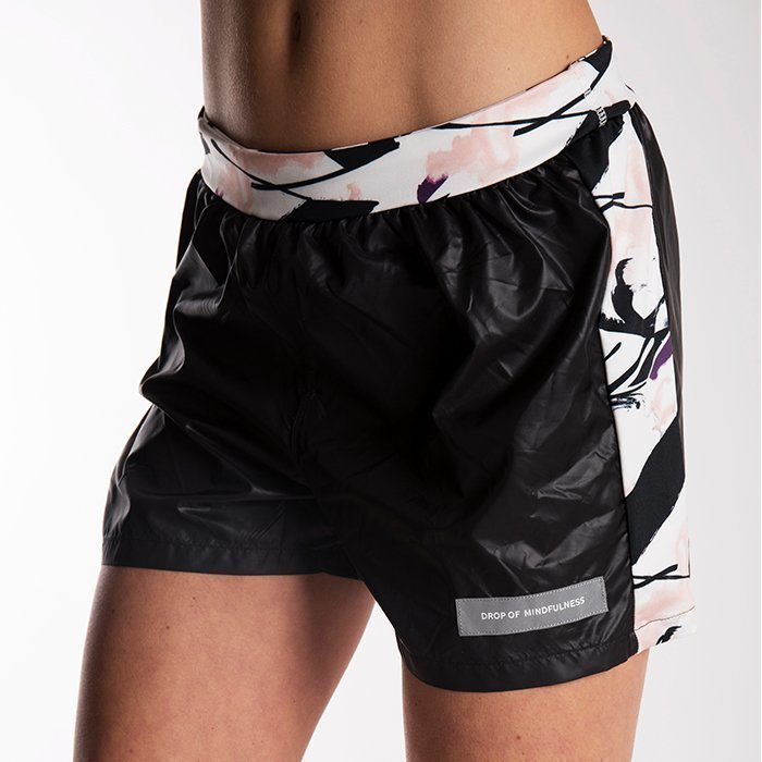 Drop of Mindfulness Ester Shorts Black/Paint Print Large