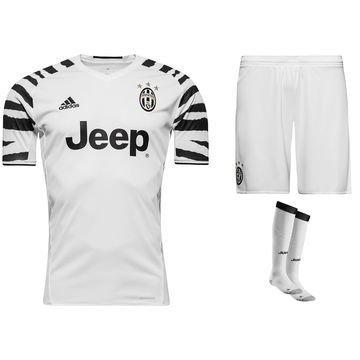 Juventus 3. Peliasu 2016/17