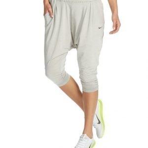 Nike Avant Caprit
