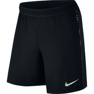 Nike Flex Strike Shortsit Musta