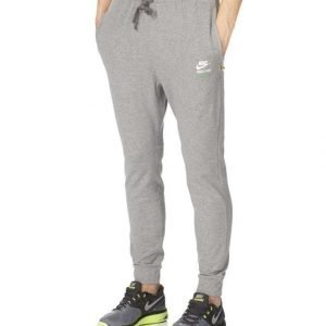 Nike Track & Field Slim Fit Collegehousut
