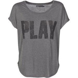 Only Play Jina Paita