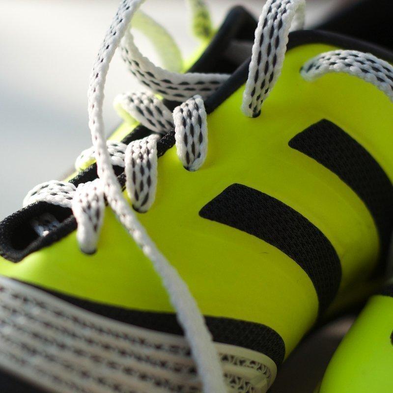 Pitonauhat Jalkapallo- Ja Futsalkenkiin